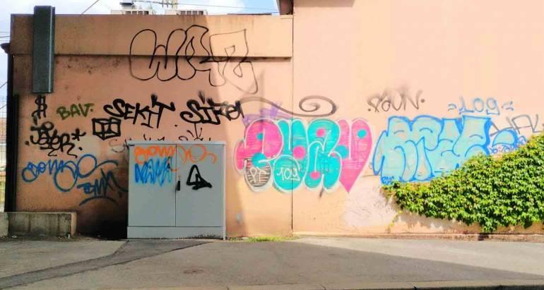 Mur vandalisé à Lyon